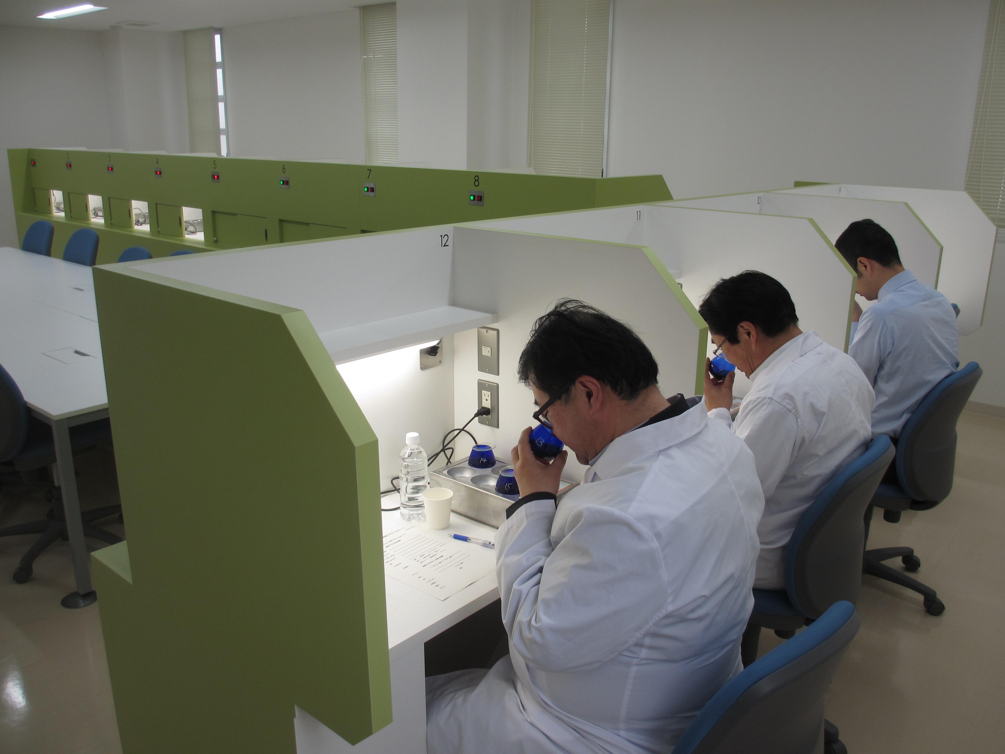 香川県農業試験場小豆オリーブ研究所様